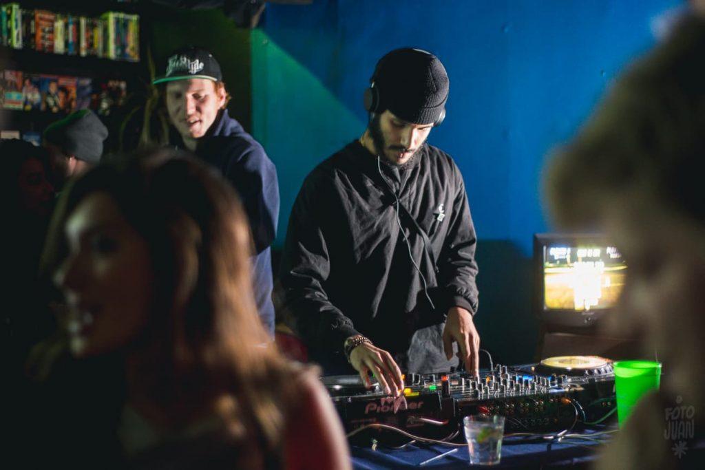 ohestee | Dundas Video - Yung Thug Karaoke, May 30, 2016