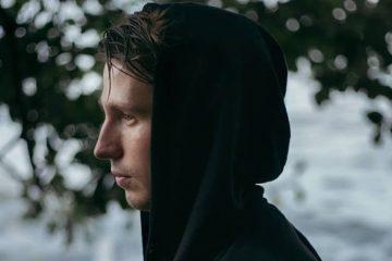 VONAVI Releases Emotive Cinematic Video For Sunburst